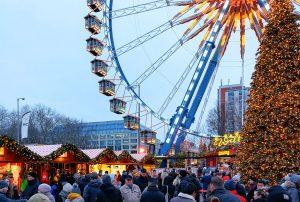 kerstmarkt berlijn bij het stadhuis